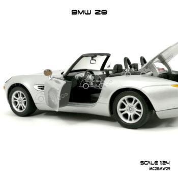 โมเดลรถ BMW Z8 เปิดได้ครบ