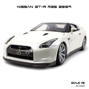 โมเดลรถ NISSAN GT-R R35 2009 สีขาวมุก (Scale 1:18) โมเดลลิขสิทธิ Burago