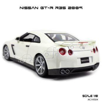 โมเดลรถ NISSAN GT-R R35 2009 สีขาวมุก (Scale 1:18) ไฟท้ายสวยๆ
