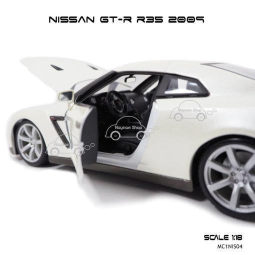 โมเดลรถ NISSAN GT-R R35 2009 สีขาวมุก (Scale 1:18) ภายในรถเหมือนจริง