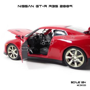โมเดลรถ NISSAN GT-R R35 2009 สีแดง ภายในรถสวยงาม