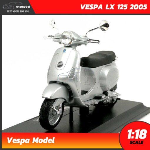 โมเดลรถเวสป้า VESPA LX 125 2005 สีบรอนด์ (Scale 1:18)