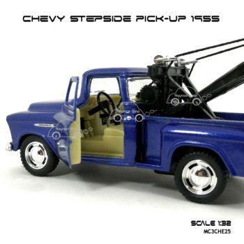 โมเดลรถยก CHEVY STEPSIDE PICK UP 1955 สีน้ำเงิน (1:32) ภายในรถ