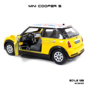 โมเดลรถ Mini Cooper S หลังคาลายธงชาติ สีเหลือง ภายในรถสวยงาม
