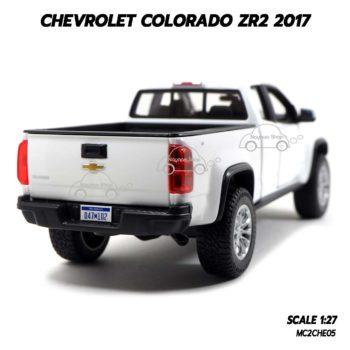 โมเดลรถปิคอัพ Chevrolet Colorado ZR2 2017 สีขาว (1:27) โมเดลรถประกอบสำเร็จ