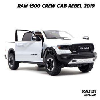 โมเดลรถกระบะ RAM 1500 CREW CAB REBEL 2019 สีขาว (1:24) กระบะยกสูง