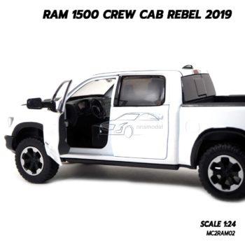 โมเดลรถกระบะ RAM 1500 CREW CAB REBEL 2019 สีขาว (1:24) ภายในจำลองเหมือนจริง