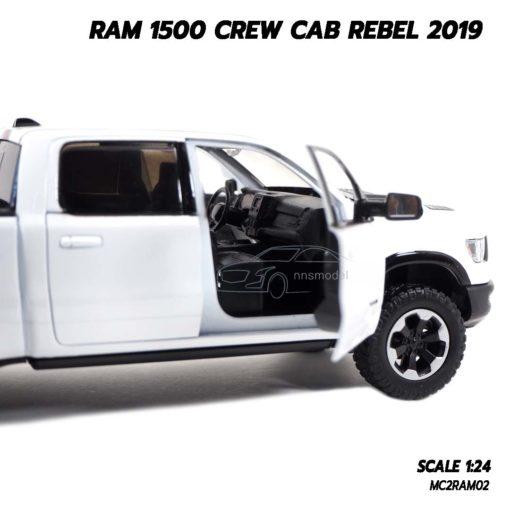 โมเดลรถกระบะ RAM 1500 CREW CAB REBEL 2019 สีขาว (1:24) กระบะสุดเท่ห์