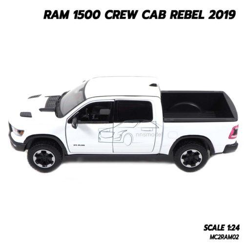 โมเดลรถกระบะ RAM 1500 CREW CAB REBEL 2019 สีขาว (1:24) รถโมเดลประกอบสำเร็จ