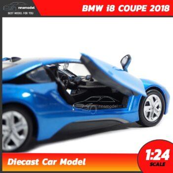 โมเดลรถ BMW i8 COUPE 2018 สีฟ้า (Scale 1:24) รถเหล็กโมเดล ภายในรถจำลองเหมือนจริง Diecast Model