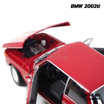 โมเดลรถคลาสสิค BMW 2002ti สีแดง (Scale 1/24) เครื่องยนต์เหมือนจริง