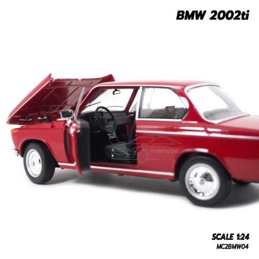 โมเดลรถคลาสสิค BMW 2002ti สีแดง (Scale 1/24) พวงมาลัยเหมือนจริง