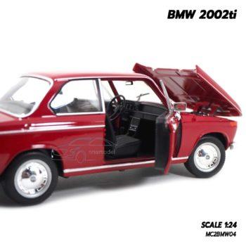 โมเดลรถคลาสสิค BMW 2002ti สีแดง (Scale 1/24) โมเดลประกอบสำเร็จ พร้อมตั้งโชว์