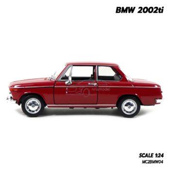 โมเดลรถคลาสสิค BMW 2002ti สีแดง (Scale 1/24) รถคลาสสิค สวยงามน่าสะสม