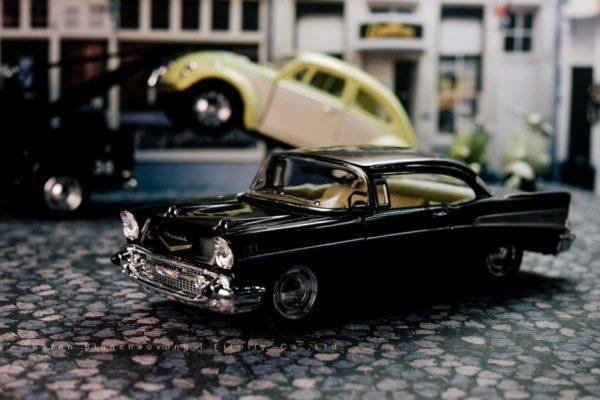 โมเดลรถคลาสสิค Bel Air 1957 สีดำ