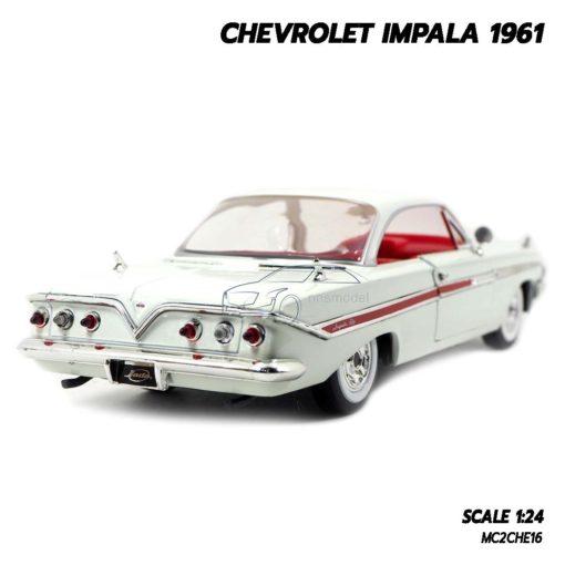 โมเดลรถ CHEVROLET IMPALA 1961 สีขาว (1:24) โมเดลรถเหล็ก พร้อมตั้งโชว์