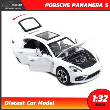 โมเดลรถ PORSCHE PANAMERA S สีขาว (Scale 1:32) เปิดฝากระโปรงหน้าได้ เครื่องยนต์จำลองสมจริง