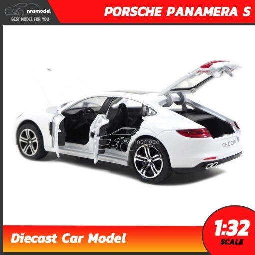 โมเดลรถ PORSCHE PANAMERA S สีขาว (Scale 1:32) เปิดประตูได้ครบ
