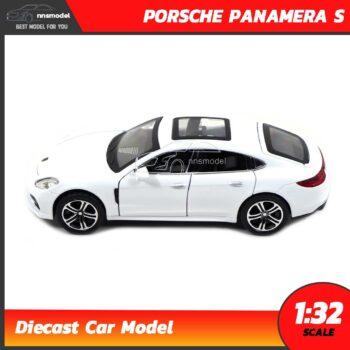 โมเดลรถ PORSCHE PANAMERA S สีขาว (Scale 1:32) พร้อมถ่าน 1.5v x 3 ก้อน